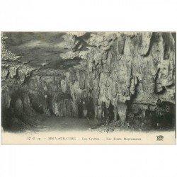 carte postale ancienne 89 ARCY SUR CURE. Les Fonds Baptismaux aux Grottes animation