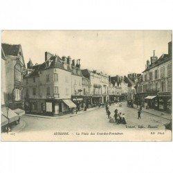 carte postale ancienne 89 AUXERRE. Place des Grandes Fontaines 1918 Hôtel Touring