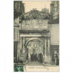 carte postale ancienne 89 AUXERRE. Porche Saint-Pierre 1910