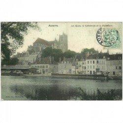 carte postale ancienne 89 AUXERRE. Quais, Cathédrale et Préfecture vers 1907 avec Péniches