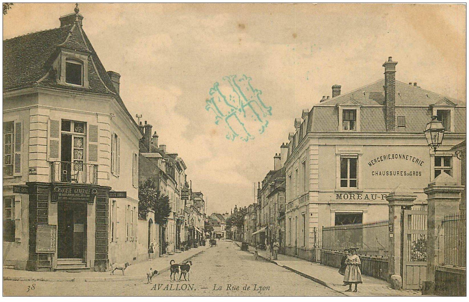 89 avallon magasin moto naphta et boulangerie parisienne rue de paris. Black Bedroom Furniture Sets. Home Design Ideas