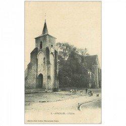 carte postale ancienne 89 AVROLLES. Troupeau de Vaches devant l'Eglise