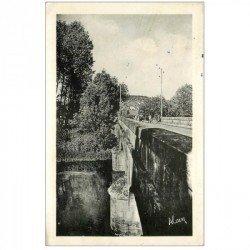 carte postale ancienne 89 BESSY SUR CURE. Pont à l'Entrée du Pays 1952