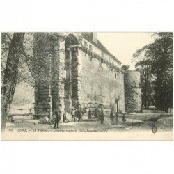 carte postale ancienne 89 SENS. Anciens Remparts Gallo Romains