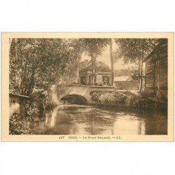carte postale ancienne 89 SENS. Attelage sur le Pont Bruand proche de l'Auberge de la Vanne
