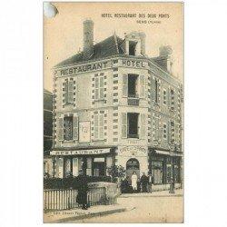 carte postale ancienne 89 SENS. Hôtel Café Restaurant des Deux Ponts. Rond troué de classeur coin gauche supérieur...