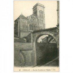 carte postale ancienne 89 VEZELAY. Eglise et Rue des Ursulines