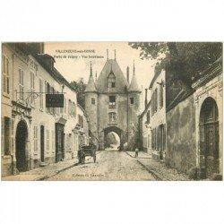 carte postale ancienne 89 VILLENEUVE SUR YONNE. Rue et Porte de Joigny Hôtel du Dauphin et Pâtisserie