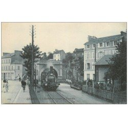 carte postale ancienne 14 LISIEUX. Entrée du Tunnel de Trouville Locomotive à vapeur
