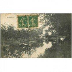 carte postale ancienne 91 BOUTIGNY. Ballade en barque et promeneurs 1917