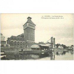 carte postale ancienne 91 CORBEIL ESSONNES. Déchargement des Bateaux de Blé aux Grands Moulins