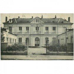 carte postale ancienne 91 ETAMPES. Sous Préfecture vers 1911