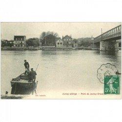 carte postale ancienne 91 JUVISY SUR ORGE. Pêcheurs en barque près du Pont 1908 et Restaurants en face