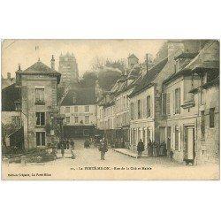 carte postale ancienne 02 LA FERTE-MILON. Mairie et Rue de la Cité 1914. Hôtel du Lion d'Or