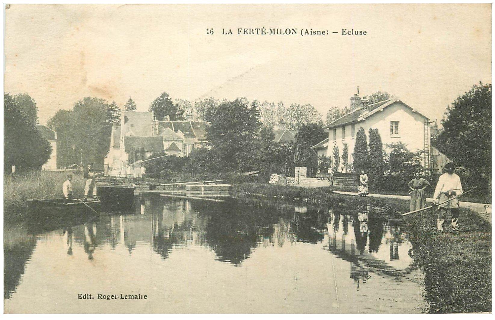 carte postale ancienne 02 LA FERTE-MILON. Pêcheurs près de l'Ecluse 1917