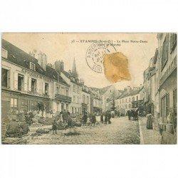 carte postale ancienne K. 91 ETAMPES. Place Notre-Dame après le Marché. Epicerie de Choix (dans l'état)...