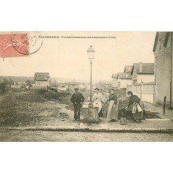 93 VILLEMOMBLE. La Fontaine à pompe manuelle Avenues Lespinasse et Frédy 1905