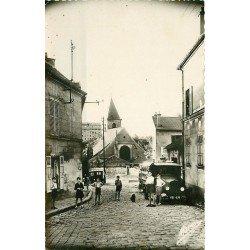 93 BAGNOLET. Enfants et Camion rue Lénine ex Rue de Montreuil 1950 ave l'Eglise Saint-Leu-Gilles