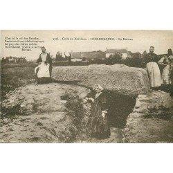 56 LOCMARIAQUER. Un Dolmen avec Bretonnes. Dolmens et Menhirs