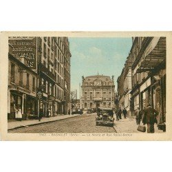 93 BAGNOLET. La Mairie et voiture ancienne rue Raoul-Berton