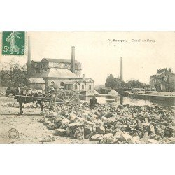18 BOURGES. Attelage pour transport de pierres au Canal du Berry