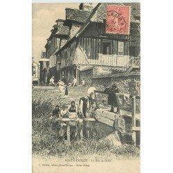 14 PONT L'EVEQUE. Lavandières Rue de Geôle 1907
