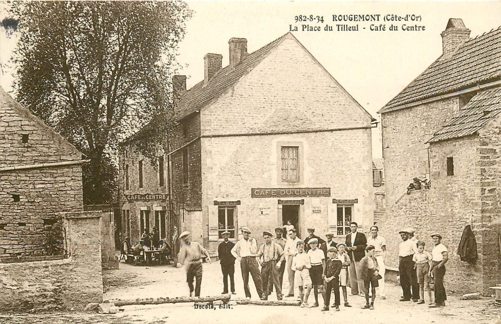 21 ROUGEMONT. Café du Centre et joueurs de Pétanque devant l'Epicerie 1950
