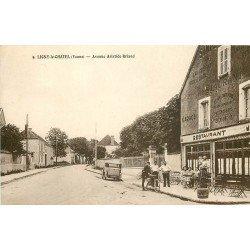 89 LIGNY LE CHATEL. Gendarmeà vélo devant Café Restaurant Avenue Aristide Briand 1944