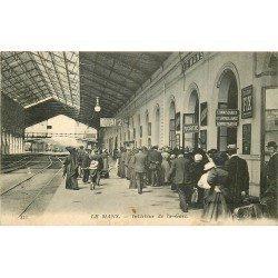 72 LE MANS. Belle animation à l'Intérieur de la Gare 1915