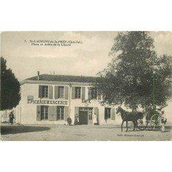 17 SAINT LAURENT DE LA PREE. Place et Arbre de la Liberté 1917 Attelage et Facteur devant Epicerie Mercerie Café