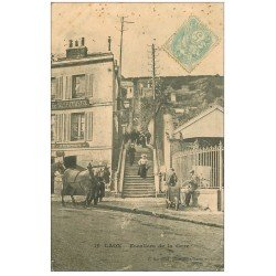 carte postale ancienne 02 LAON. Attelage Escaliers de la Gare 1906 (pli coin droit)...