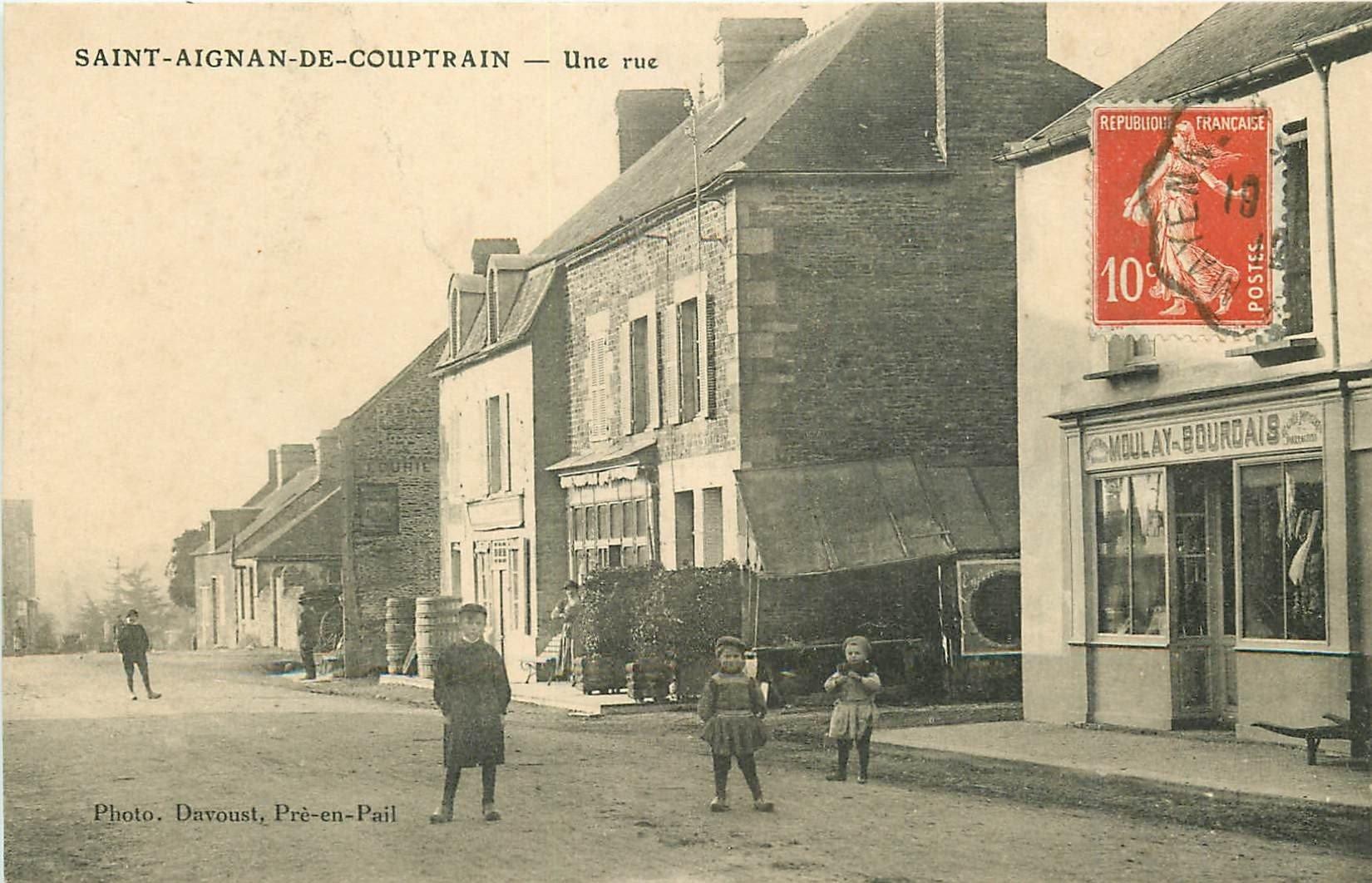 53 SAINT AIGNAN DE COUPTRAIN. Une Rue 1912 Commerce Moulay Bourdais