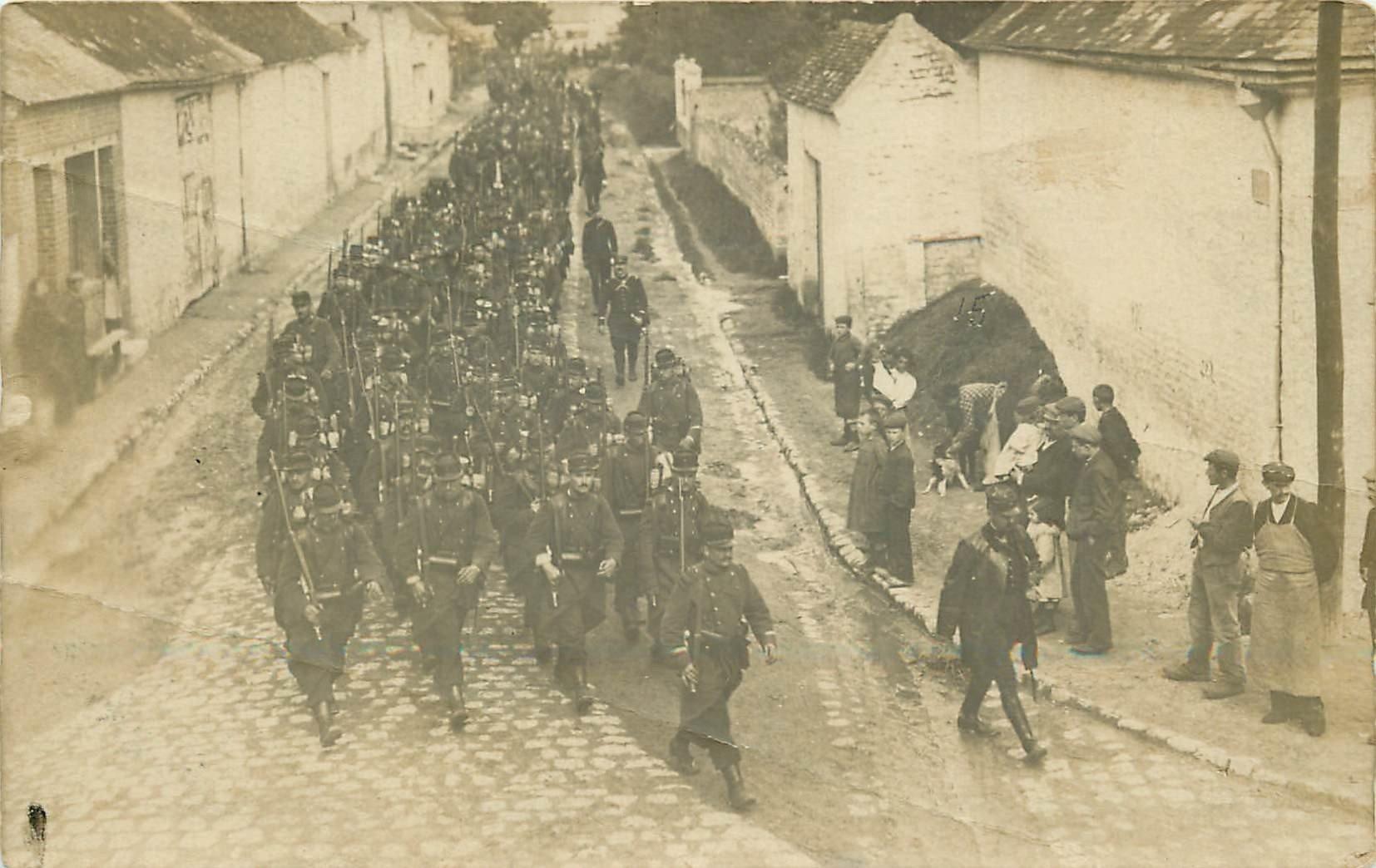 02 camp de sissonne d fil parades de conscrits for Sissonne 02
