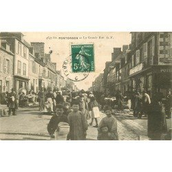 50 PONTORSON. Marché et Brocante sur la Grande rue 1912