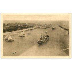 carte postale ancienne 14 OUISTREHAM. Entrée du Port