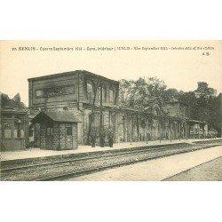 60 SENLIS. Militaires Poilus dans la Gare bombardée Guerre 1914-18