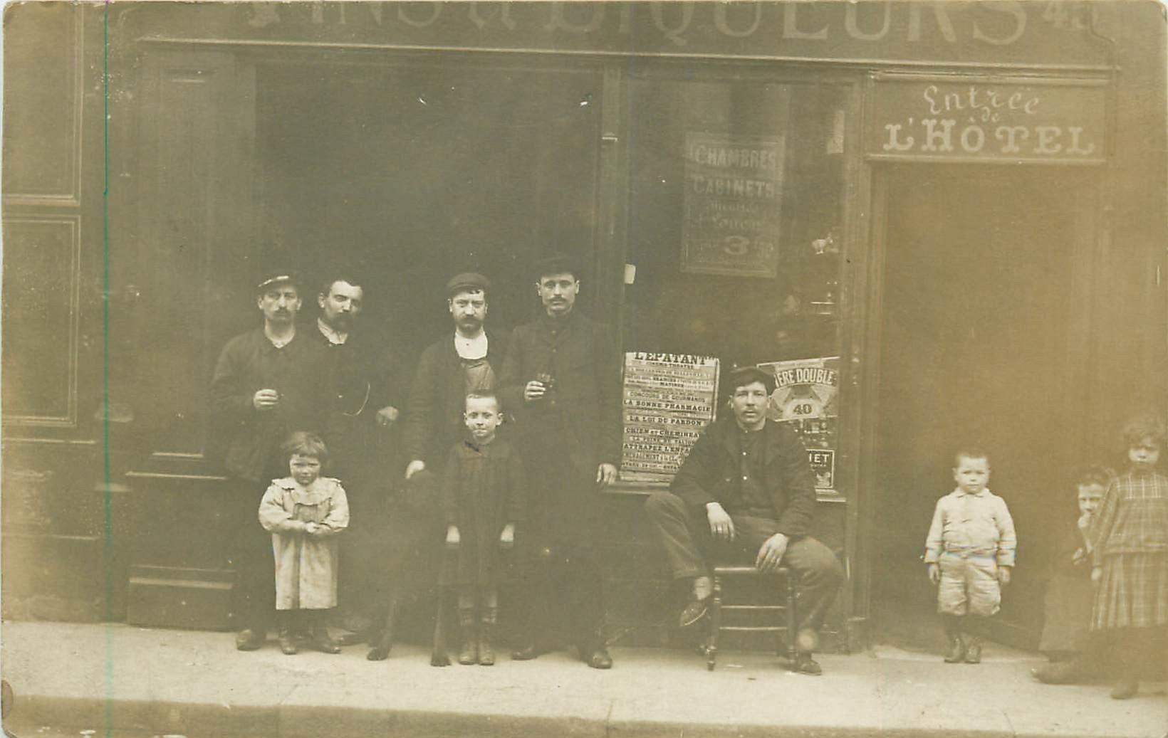 PARIS XI. Café et Hôtel de Vienne 43 rue de Malte. Affiche Cinéma l'Epatant 4 Bd de Belleville