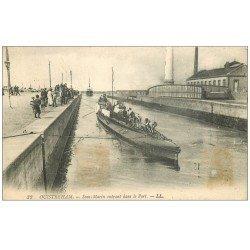 carte postale ancienne 14 OUISTREHAM. Le Sous-Marin entrant dans le Port 1922