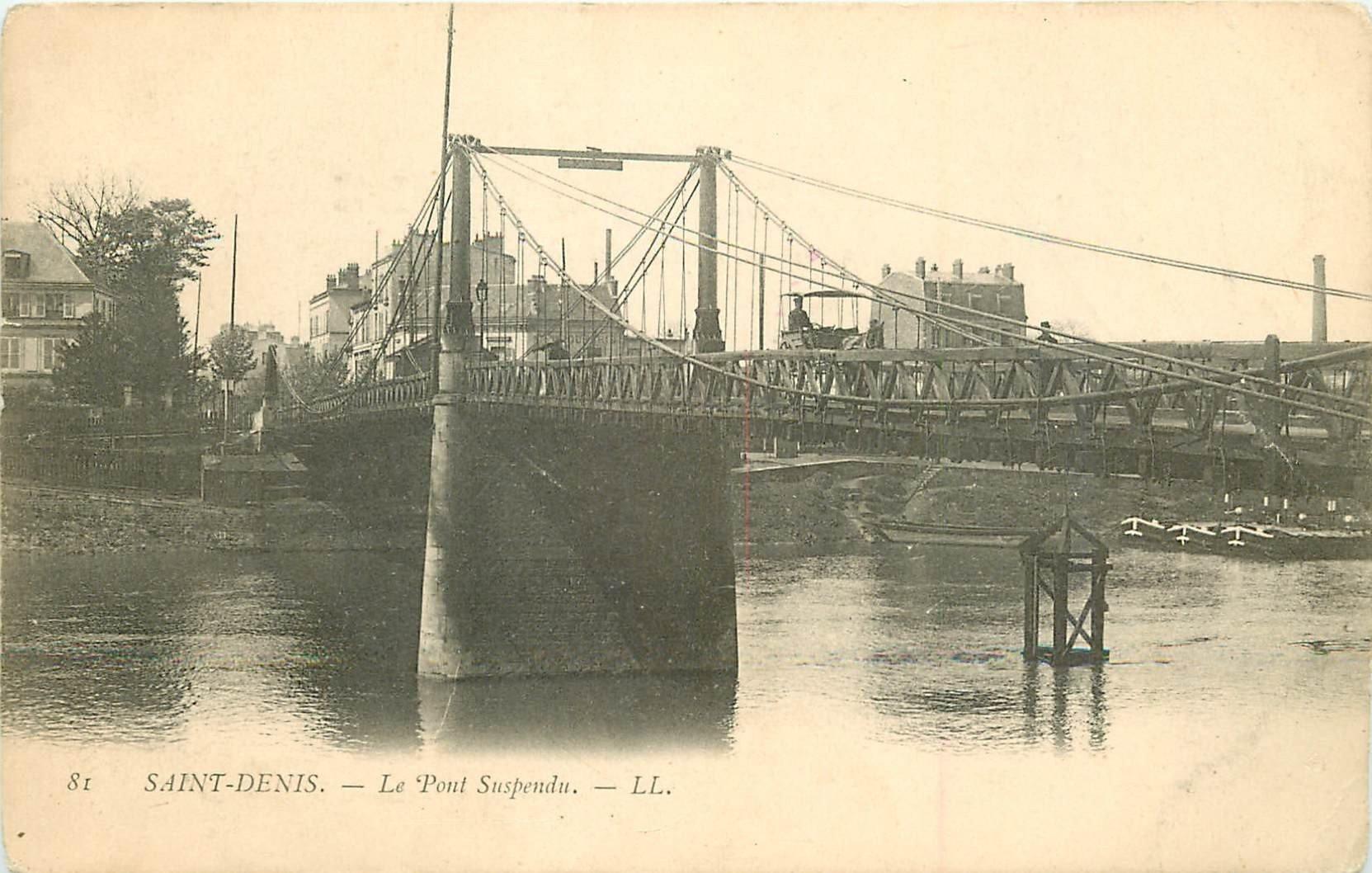 93 SAINT DENIS. Attelage sur le Pont Suspendu vers 1900