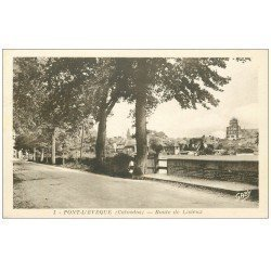 carte postale ancienne 14 PONT-L'EVÊQUE. Route de Lisieux