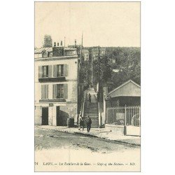 carte postale ancienne 02 LAON. Les Escaliers de la Gare
