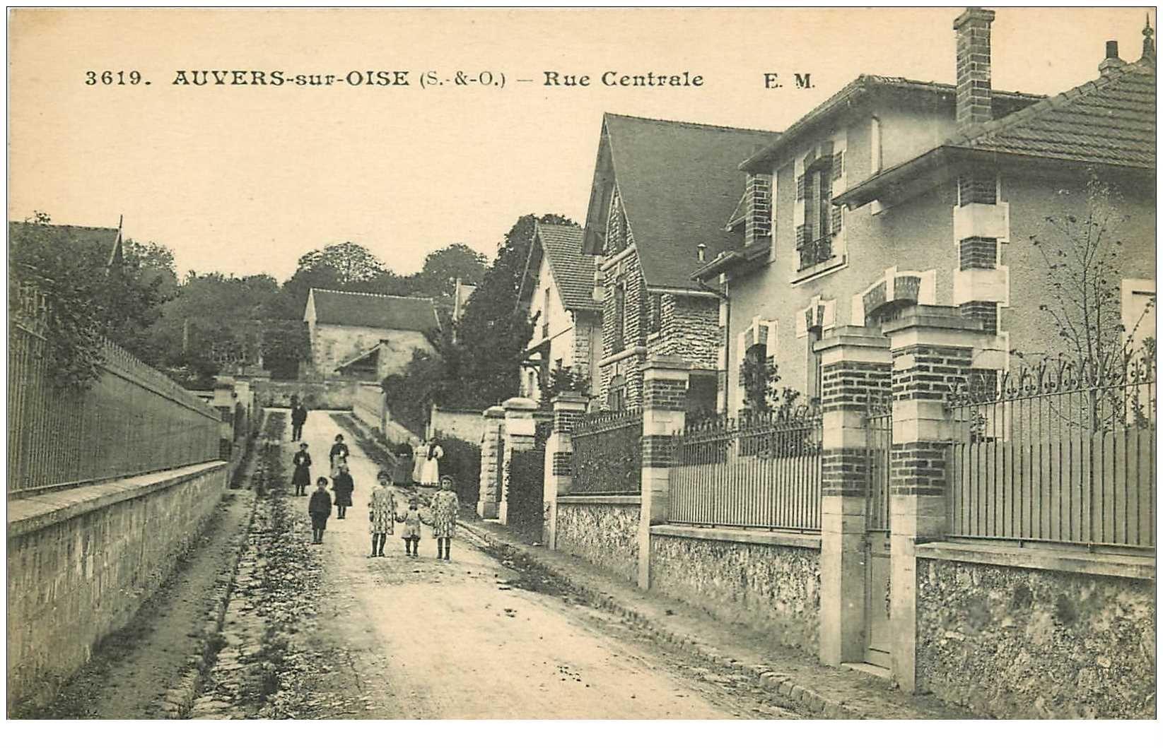 carte postale ancienne 95 AUVERS SUR OISE. Enfants Rue Centrale