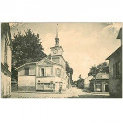 carte postale ancienne 95 MONTMORENCY. La Mairie avec cycliste 1914