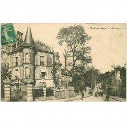 carte postale ancienne 95 MONTMORENCY. L'Ermitage avec 2 trous punaise