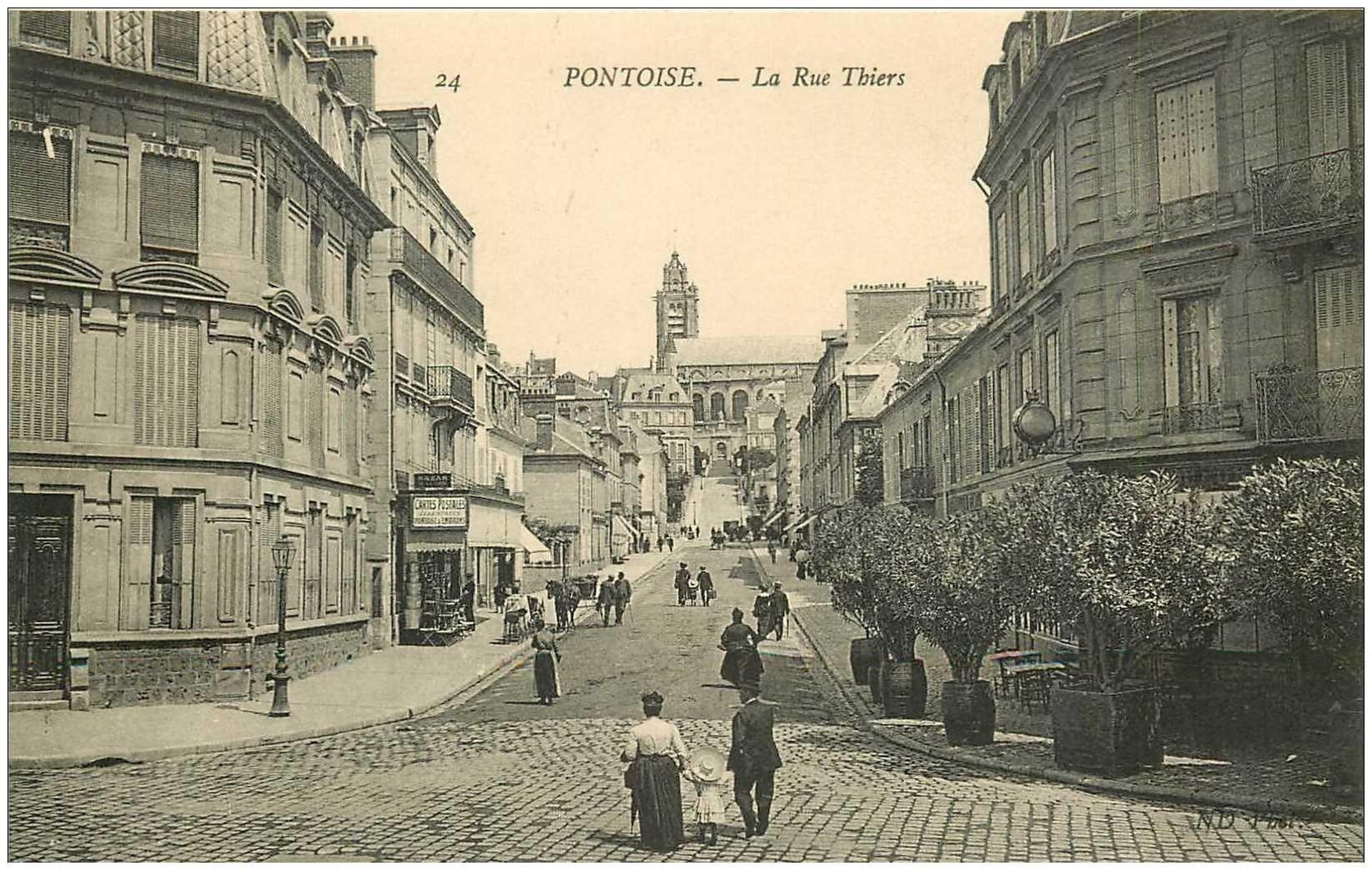 carte postale ancienne 95 PONTOISE. La Rue Thiers magasin de Cartes Postales
