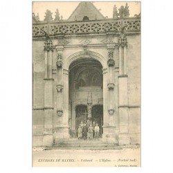 carte postale ancienne 95 VETHEUIL. Gamins sur les marches de l'Eglise