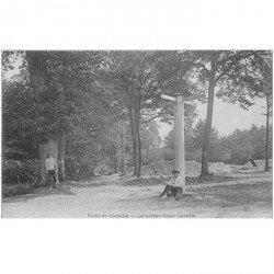 carte postale ancienne 95 VIARMES. Forêt de Carnelle. Le Poteau Saint Quentin