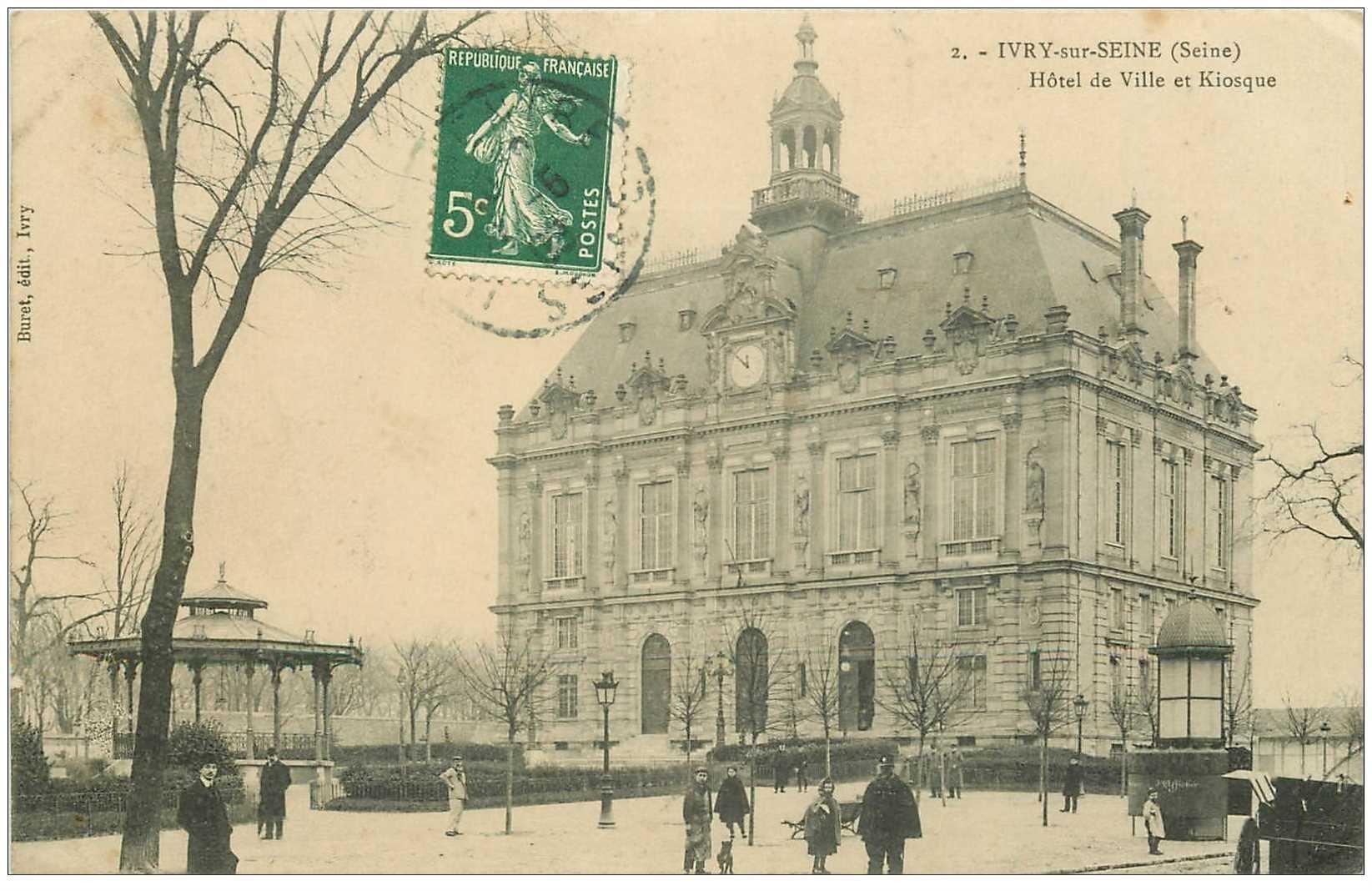 carte postale ancienne 94 IVRY SUR SEINE. L'Hôtel de Ville et Kiosque à Musique 1909