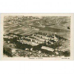 carte postale ancienne 94 FRESNES. La Prison. Photo aérienne