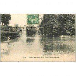 carte postale ancienne 94 CHATENTONNEAU. La Passerelle du Château avec Pêcheur à la ligne 1916